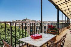 Regardez ce logement incroyable sur Airbnb : Bel appart sur le vieux port - Appartements à louer à Marseille