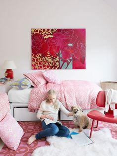 Using a pink and red color scheme in a girl's room is an easy way to create a happy, energetic space. #kids #decorating
