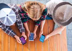 Overhead View Young Friends Using Smartphones Social Media Apps Social Media Apps, Social Media Negative, Power Of Social Media, Social Media Marketing, Brand Architecture, Marketing Calendar, Facebook Business, Baby Steps, Free Blog