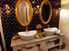 Bathroom makeover a quick watercolor shower curtain tutorial learn Vintage Bathroom Decor, White Bathroom Decor, Bathroom Layout, Bathroom Colors, Small Bathroom, Neutral Bathroom, Bathroom Ideas, Watercolor Shower Curtain, Decor Inspiration