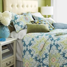 """Savannah bedding has found its ideal collaborator in our 100% cotton, 200-thread-count Turquesa Tile Collection. Inside ties at all four corners of its generously sized duvet covers keep your inserts from shifting, while the shams feature a 1"""" flange and decorative ties on back."""