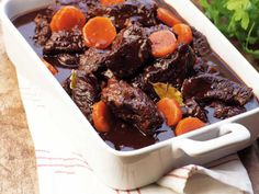Beef stew, served with potatoes and pickled beets. Food N, Food And Drink, Food From Different Countries, Pickled Beets, Dinner With Friends, Swedish Recipes, What To Cook, Pot Roast, Wine Recipes