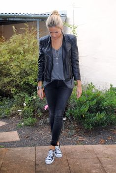 Love this look especially with the converse sneakers
