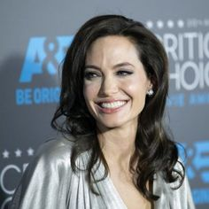 angelina jolie cuts her breast - Buscar con Google