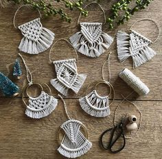 491 Likes, 12 Comments – Hitch + Cord // Laura Seymour ( on Instag… - Jewelry Ideas🌟Tante S!fr@ loves this📌🌟 Hitch & Cord ornamentsIt's time to start making ornaments! Bringing back all your faves and working on some new designs Macrame Art, Macrame Design, Macrame Projects, Macrame Knots, Macrame Earrings, Macrame Jewelry, Diy Jewelry, Jewelry Trends, Jewelry Making