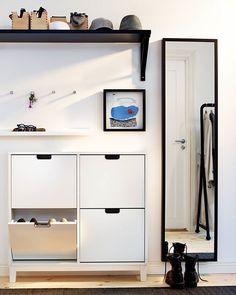 Огледалото #STABEKK не предпазва от нещастна любов, но ограничава щетите при счупване на стъклото с предпазното си покритие. #IKEABulgaria #interiordesign #homedecoration