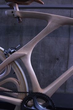(via A Beautiful Bicycle Made of Wood, Wheels and All - Core77)