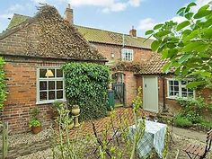 Old School Cottage (ref RXX3) in Stragglethorpe, nr. Newark | English-Country-Cottages
