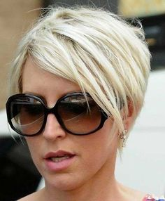 Fine hair often appears flat, limp and unable to hold any more or less voluminous style. With the right haircuts and hairstyles for fine hair you'll add the. 15 Short Haircuts for Women with Fine Hair Haircut Styles For Women, Short Haircut Styles, Cute Short Haircuts, Haircuts For Fine Hair, Short Hair Cuts For Women, Short Hairstyles For Women, Hairstyles Haircuts, Trendy Hairstyles, Bob Haircuts