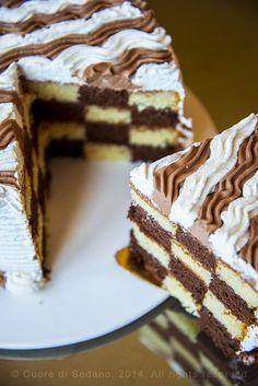Come fare la Torta a Scacchi o Checkerboard Cake Burritos, Checkerboard Cake, Cannoli, Savoury Cake, Coffee Cake, Tiramisu, Cake Recipes, Yummy Food, Breakfast