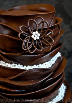 Handmade Chocolate Flower | by thecustomcakeshop Chocolate Delight, Death By Chocolate, I Love Chocolate, Chocolate Heaven, Chocolate Art, Decadent Chocolate, Chocolate Factory, Chocolate Recipes, Ganache Torte