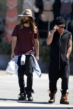 HQ.- Thirty Seconds To Mars.- Jared and Shannon, out and about West Hollywood, L.A.- 02-06-2014 (via http://fan-girl.org/2014/06/jared-leto-wears-a-hat-in-west-hollywood/
