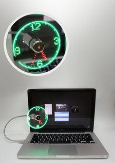 Wentylator USB i zegarek LED w jednym. Wentylator po podłączeniu do komputera generuje chłodne powietrze, dodatkowo na łopatkach wiatraczka wbudowane są diody, które pokazują czas tworząc tarczę zegara analogowego. Wentylator może być skierowany w dowolnym kierunku dzięki elastycznemu mocowaniu.