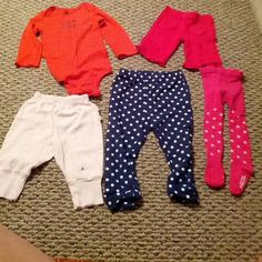 Variety bundle of girl baby clothes Carter's pink bottom - size s. 8-11 lbs Carter's red onsie - size 24m Carter's navy bottom - size 24 m Baby Gap tights - size 12-24m Miniwear red bottom - size 0-3m Other