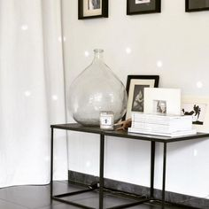 Ce vase! #muramur #repost : @marielapirate #athome #blogdeco #scandinave #intérieur #industriel #inspiration #interior4all #photodujour #déco #design #décoration #maison #scandinavian #scandinave #scandinaviandesign #mtlblogger