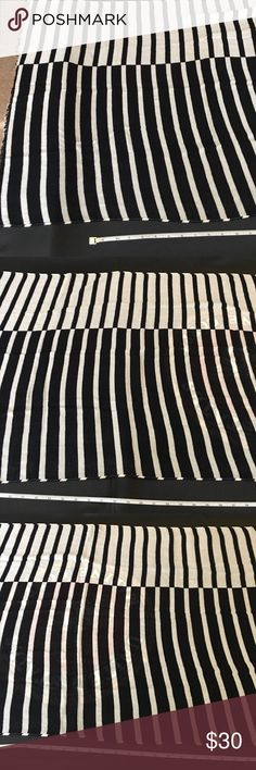 KSNY Scarf Photos of the other side to prove it was and is in perfect snag free condition before I mailed it off today, July 22, 2017 kate spade Accessories Scarves & Wraps