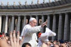 Istruzioni per richiedere i biglietti gratuiti per le udienze del Papa con informazioni dettagliate su come partecipare alle udienza di Papa Francesco