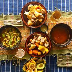 Cocido, o caldo de res para el almuerzo del domingo