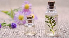 Learn how to use essential oils in aromatherapy. What are pure essential oils, how to use them. List Of Essential Oils, Patchouli Essential Oil, Essential Oil Perfume, Essential Oil Uses, Oil Cleansing Method, Stem Challenge, Best Hair Oil, Perfume Recipes, Oils For Dogs