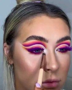 Purple Makeup, Colorful Makeup, Beauty Tutorials, Video Tutorials, Crazy Makeup, Makeup Looks, Insta Makeup, Eye Makeup, New Makeup Ideas