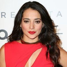 Natalie Martinez's loose waves at red lipstick at the Billboard Latin Music Awards