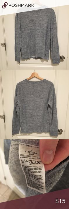 👔Gap Casual Sweater👔 Gap Casual Grey Sweater, great for fall/winter, great for layering, size small  Barely worn, Comes from a smoke free, pet free home GAP Sweaters Crewneck