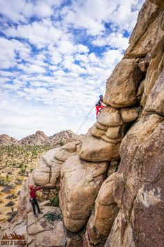 Discover the best hikes and views in Joshua Tree National Park with this list of things you can't miss -- written by a former park ranger! California National Parks, California Travel, Beautiful Places In California, Rock Climbing, Joshua Tree Climbing, Sport Climbing, Whitewater Kayaking, Canoe Trip, Joshua Tree National Park