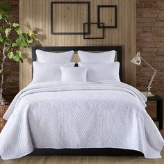 Macey and Moore Coverlet Add some warmth and elegance to your room by bringing home the Macey and Moore Coverlet. This coverlet is a perfect addition to a traditional home setting. It is made from 100% cotton which ensures durability and efficiency. This beautiful cotton coverlet can be machine washed in a cold gentle cycle followed by a tumble dry.  http://ift.tt/22r2cOp  #coverlet #manchester #homewares #interiordesign #living #bedroom #decor #fashion #linen #bedlinen #summer #modern…