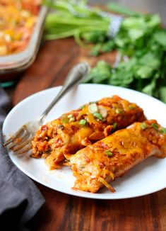 My Favorite Chicken Enchiladas My Favorite Chicken Enchilada recipe. Easy to make and full of chicken, red onions, garlic, cilantro, spices ans smothered in a tangy red enchilada sauce and lots of cheese. This is the perfect Mexican Dinner! Red Enchilada Sauce, Enchilada Recipes, Cauliflower Cheese, Mexican Dinner Recipes, Easy Dinner Recipes, Dinner Ideas, Mexican Desserts, Mexican Meals, Mexican Dishes