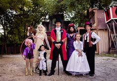 The best The Greatest Showman family group costume ever! Circus Family Costume, Circus Halloween Costumes, Homemade Halloween Costumes, Halloween Photos, Family Costumes, Group Costumes, Couple Halloween, Halloween 2020, Halloween Halloween