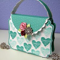 Instructions for making this purse with Cricut