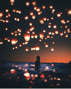 Find images and videos about beautiful, beach and photo on We Heart It - the app to get lost in what you love. Pinterest Photography, Amazing Photography, Art Photography, Floating Lanterns, Sky Lanterns, Beautiful Places, Beautiful Pictures, Aesthetic Pictures, Aesthetic Wallpapers