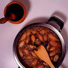 Descubre como preparar paso a paso la receta de Chipirones encebollados. Te contamos los trucos para que triunfes en la cocina con Pescados para chuparse los dedos