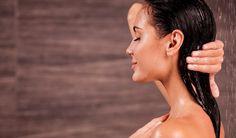 Jeden Tag setzen sich Schadstoffe, Schmutz und Talg in Ihrem Gesicht ab. Wenn dann auch noch flüssiges Make-up oder Puder als dicke Schicht auf die Haut kommt, werden die Poren verstopft. So bilden sich leicht Pickel und Mitesser....