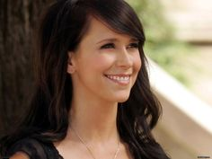 Jennifer Love Hewitt is an American actress, producer, author, television director and singer-songwriter. Description from irresistiblegirls.net. I searched for this on bing.com/images