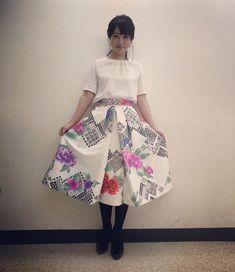 #川田裕美 #セント・フォース インポートなんだけど、和柄も入ったスカート✨✨ステキでした😊 #衣装 #ハッキリした色とか #大きな柄が好きです #そして #自分では絶対できない #ヘアメイク