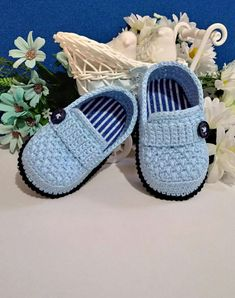 Best 12 Crochet Pattern Baby Shoes Baby Boy Crochet Booties Patte - Baby Boy Shoes - Ideas of Baby Boy Shoes Crochet Baby Sandals, Knit Baby Booties, Booties Crochet, Crochet Baby Clothes, Crochet Slippers, Baby Shoes Pattern, Shoe Pattern, Baby Patterns, Baby Boy Shoes