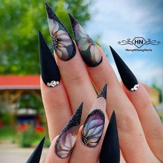 Best Stiletto Nails Designs, Ideas, Tips, For You Copyright Nail Designs Journal Glam Nails, Fancy Nails, Bling Nails, Beauty Nails, Cute Nails, Pretty Nails, Nails Inc, Black Stiletto Nails, Black Nail Art