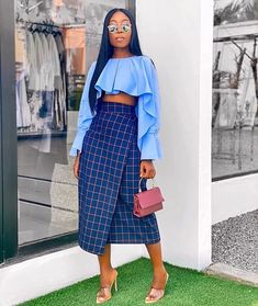 Starting the week with this outfit from 💙💙💙 - bag ❤️❤️ Casual Summer Outfits For Women, Classy Outfits, Stylish Outfits, African Wear, African Fashion, Black Women Fashion, Womens Fashion, Estilo Indie, Mode Streetwear