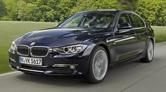 BMW 3er F30 seit 2012   Die sechste Generation des 3er BMW wird 2012 der Nachfolger des aktuellen Modells. Den 3er F30 wird es als fünftürige Limousine geben. Ab 2013 wird er auch als Kombi erhältlich sein. 2014 kommt ein Coupé dazu. Wichtige Konkurrenten des Münchners sind der Audi A4, die Mercedes C-Klasse, der Opel Insignia und der Saab 9-3. Seine Messepremiere feiert der kommende 3er BMW voraussichtlich auf dem Genfer Salon 2012.