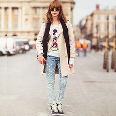#stealthelook #look #looks #streetstyle #streetchic #moda #fashion #style #estilo #inspiration #inspired #calca #Jeans #Moletom #trenchcoat #lenco #tenis #nike #mickey #moletom