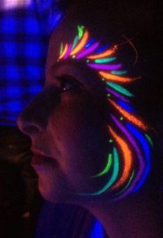 Rave Face Paint, Glow Face Paint, Body Paint, Uv Makeup, Dark Makeup, Pintura Facial Neon, Maquillage Phosphorescent, Black Light Makeup, Glow In Dark Party