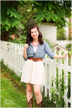Senior Portrait in Midlothian Virginia - Outdoor, country, boho dress with boots.