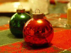 christmas globe salt and pepper shaker design