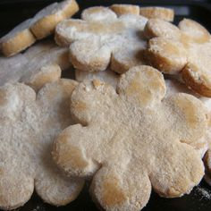 Pastissets de Menorca Menorca, Balearic Islands, Chicken Salad Recipes, Tapas, Catering, Food And Drink, Traditional, Cookies, Baking