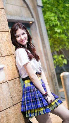 Sana is Just Straight out Beautiful ! Nayeon, J Pop, South Korean Girls, Korean Girl Groups, Snsd, Sana Cute, Sana Momo, Chibi, Sana Minatozaki