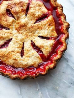I'm hoping to find rhubarb at the market tomorrow because I NEED to bake my strawberry-rhubarb pie. 🥧 What are your baking plans this weekend, friends? 🧁🍓 Find this recipe in my book . Blueberry Rhubarb, Blueberry Pie Recipes, Strawberry Rhubarb Pie, Rhubarb Recipes, Rhubarb Rhubarb, Holiday Pies, Holiday Desserts, Baked Strawberries, Eat Seasonal