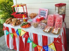 carnival birthday arty idea- games and food ideas- boy and girl party! Carnival Party Foods, Circus Carnival Party, Circus Theme Party, Party Food Themes, Carnival Birthday Parties, Carnival Themes, Circus Birthday, Birthday Party Themes, Party Games