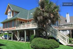 Beachfront Home, Spectacular Views in Isle of Palms