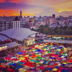 Train  Night Market in Ratchada Bangkok Thailand... Take flight  from Heathrow Airport visit and buy a memorial something.. HeathrowGatwickCars.com private transfer in London United Kingdom at affordable fare prices   heathrowgatwickcars.com via Instagram http://ift.tt/29DBkt6
